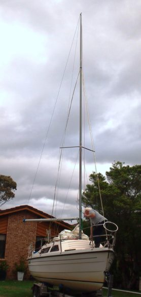 A new mast and all is well in the world.